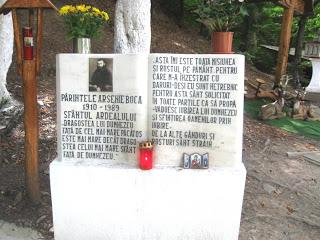 Placa memoriala Parintele Arsenie la Manastirea Brancoveanu