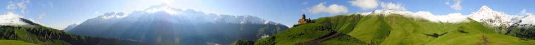 2500px-Kazbeg_Panorama